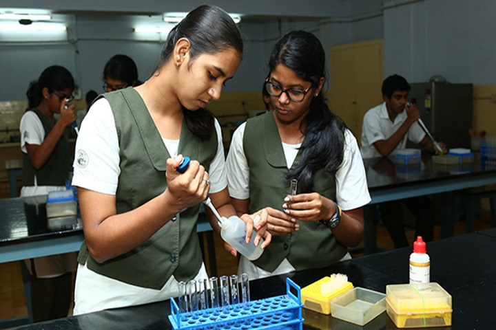 Vidya Mandir School-Biotechnology Lab