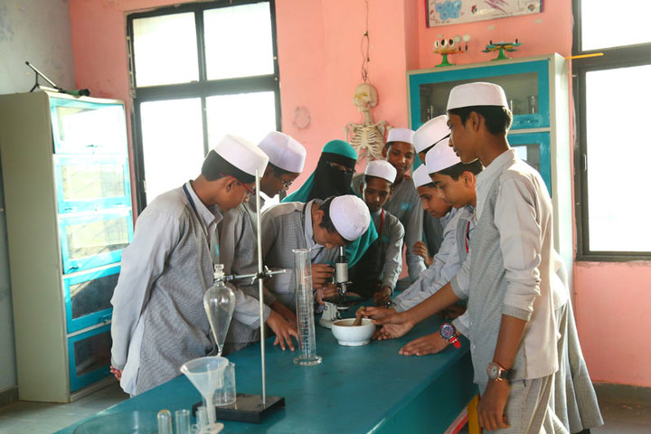 Almas High School-Biology Lab