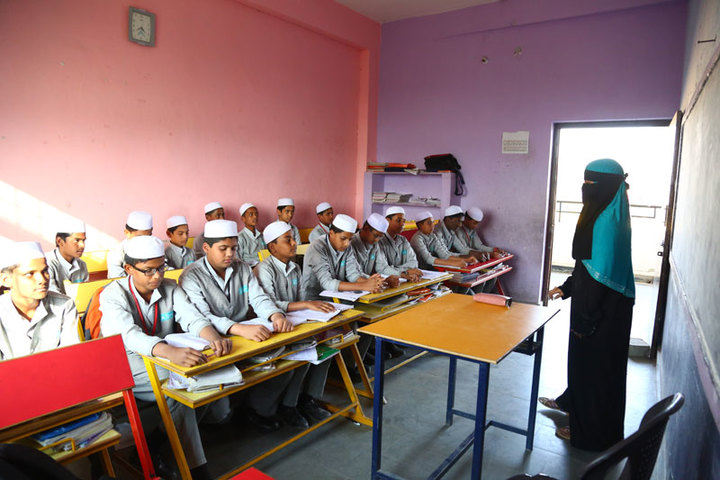 Almas High School-Classroom