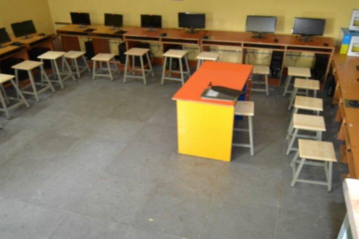 Creekside School-Computer Lab