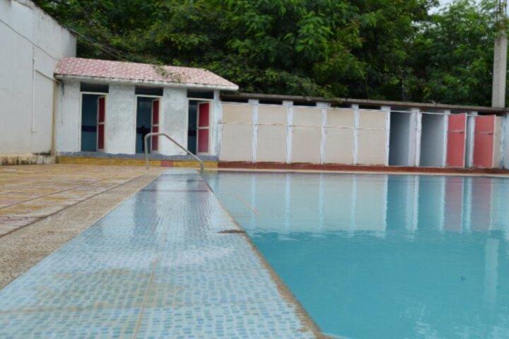 Creekside School-Swimming Pool