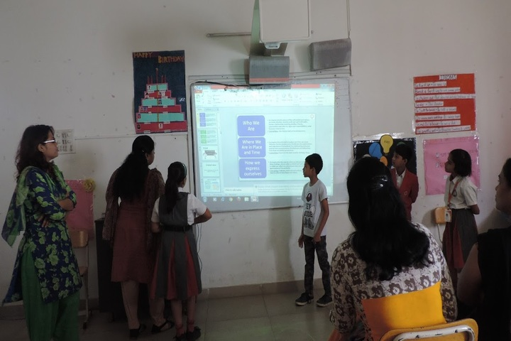 Geetanjali High School-Smart Classroom