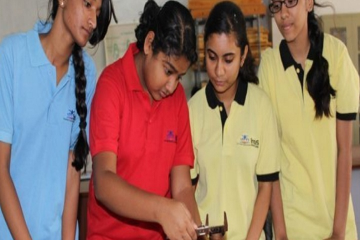 Indus Universal School-Physics Lab