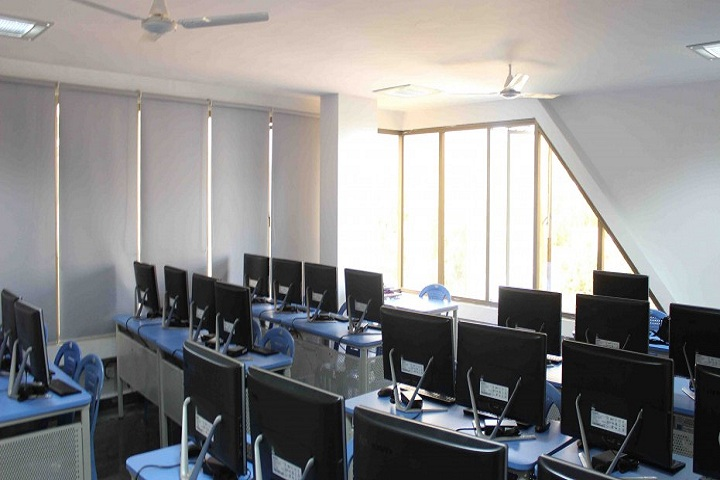 Iqbalia School-IT Lab