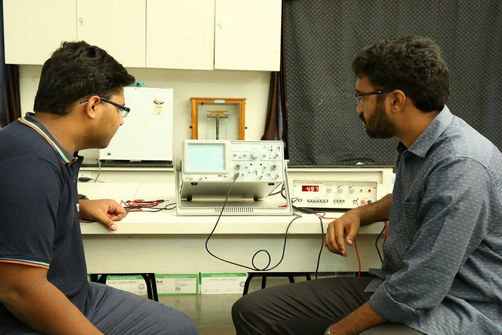 Manthan School-Physics Lab