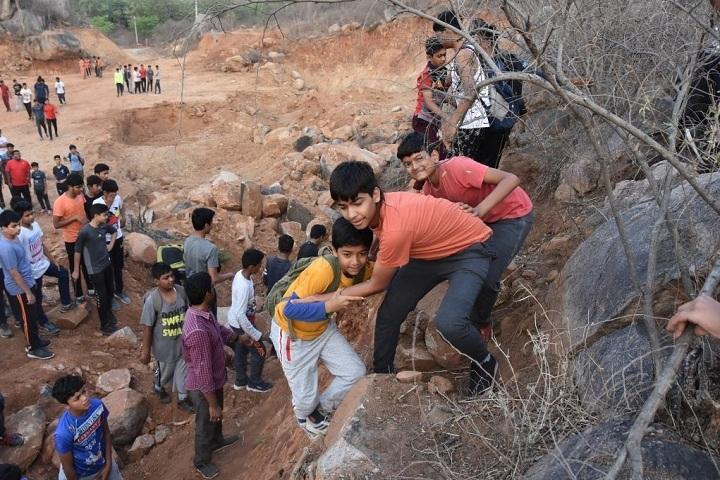 Shree Neelkanth Vidyapeeth International School-Trekking