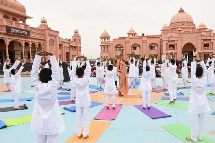 Shree Neelkanth Vidyapeeth International School-Yoga Day