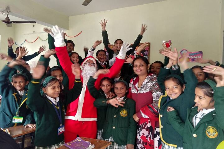 Raza International Girls School-Christmas Celebrations