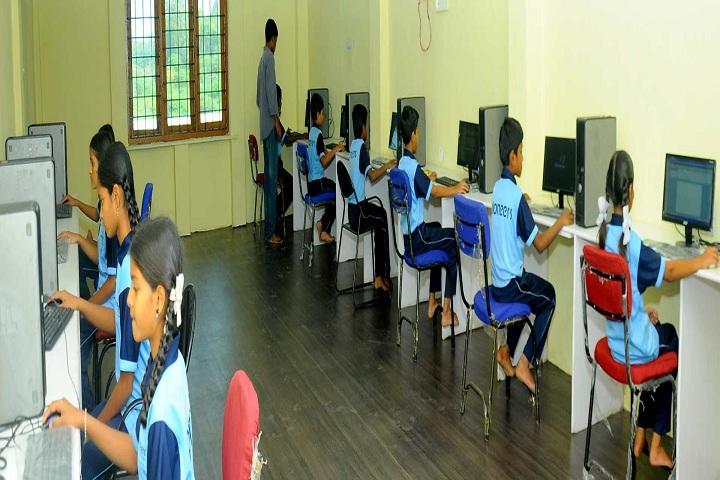 Pioneers International School-Computer Lab