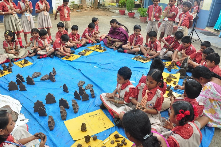 S V M Central Public School-Making of Eco Friendly Ganesh Idols