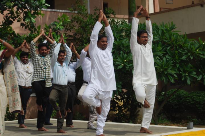 Sai Spurthi D A V School-Yoga Day