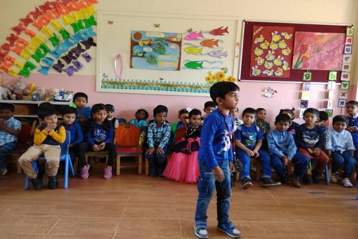 Saritha Vidya Niketan-childrens activity
