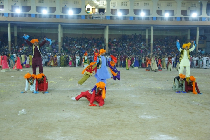 Shri Hanuman Vyayam Shala Public School-Dance
