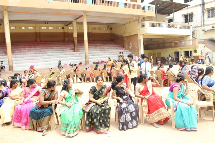 Shri Hanuman Vyayam Shala Public School-Teachers Day