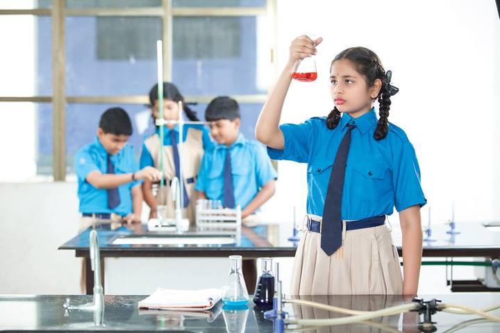 Sr Prime School-Physics Lab