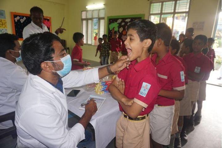 Srinivasa Ramanujan High School-Dental Checkup