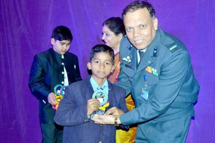 Air Force School-Award Receiving