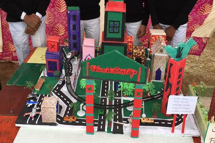 Alingua Public School - Exhibition