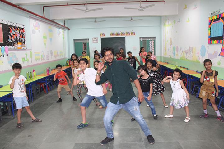 Allen House Public School - Dance Practice