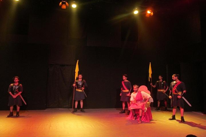 Alma Mater Day Boarding - Visit To Windmere Theatre