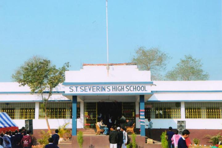 S T SeverinS High School-Campus
