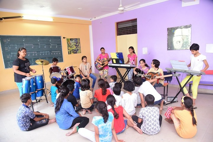Alpine Public School-Music Room