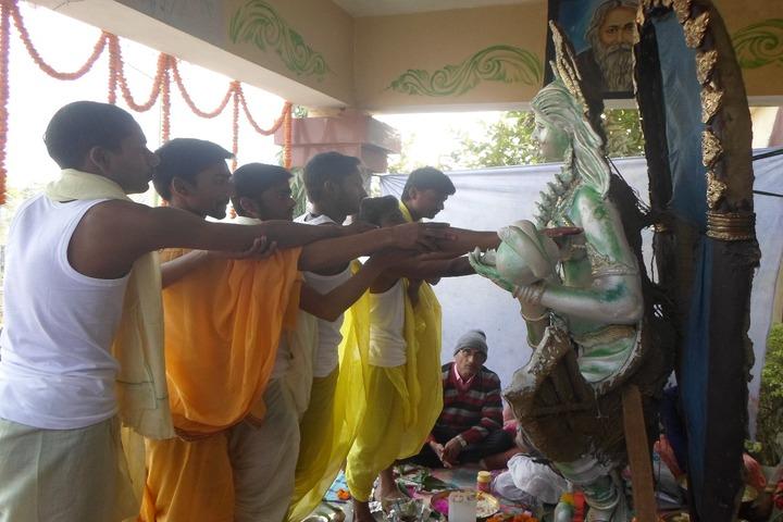 Sabarmati Gyan Niketan-Pooja