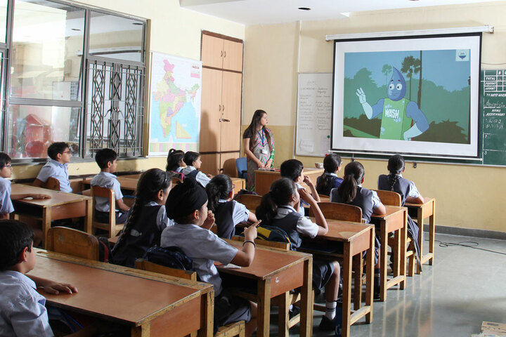 Amity International School - Smart Classes For Junior Students