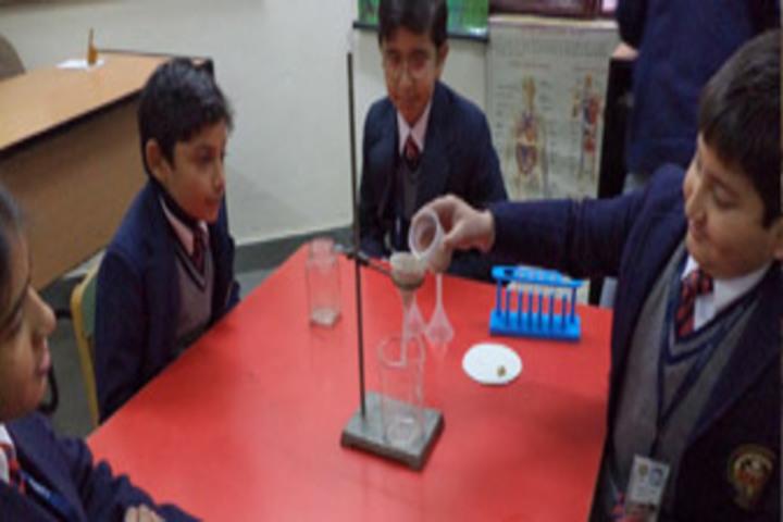 Amity International School - Lab