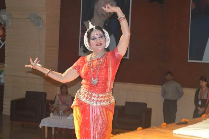 Amity International School - Bharatanatyam