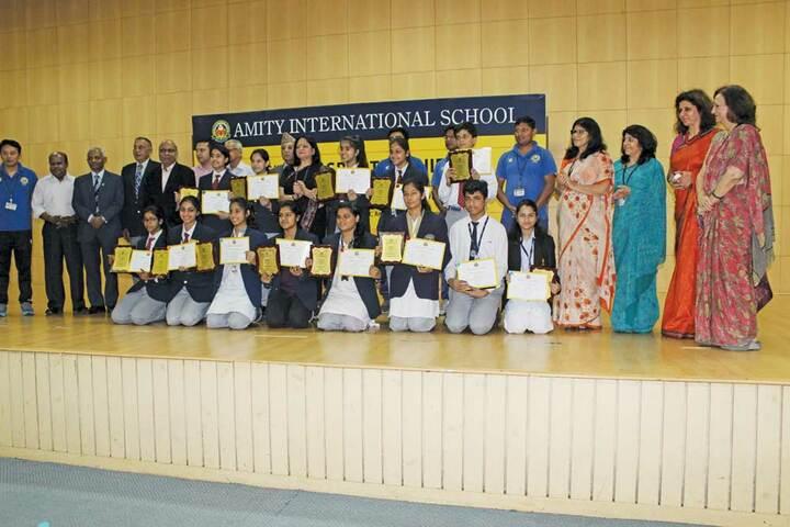 Amity International School - Certificate Distribution