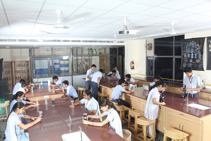 Amity International School - Labs