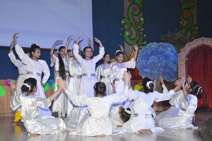Amity International School - Group Dance
