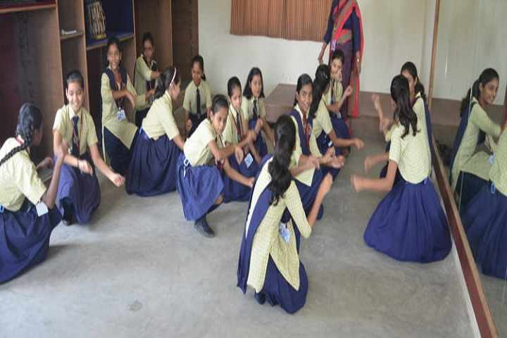Anju Gill Academy - Dance Room