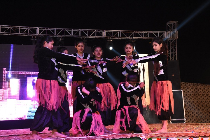 Aryan International School-Dance
