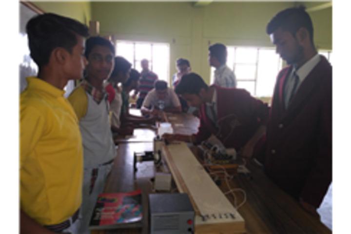 Ascent Public School-Physics Lab