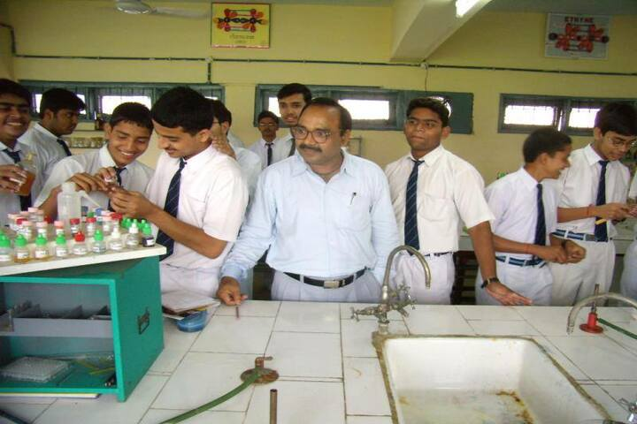Atomic Energy Central School-Chemistry Lab