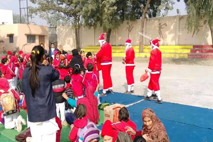 Ayesha Tarin Modern Public School-Christmas Celebrations
