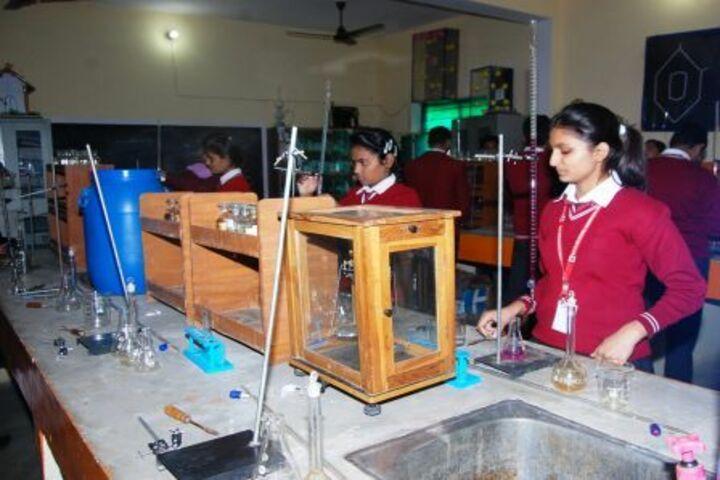 B K Senior Secondary School-Chemistry Lab