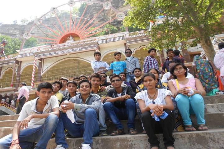 Bal Vidyalaya Madhyamik School- Field trip