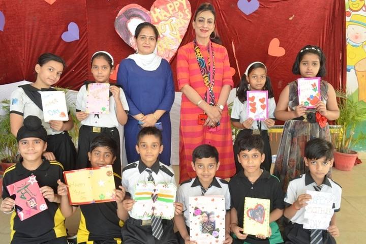 Bedi International  School-Mothers day
