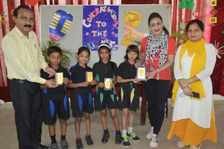 Bedi International School-Prize Distribution