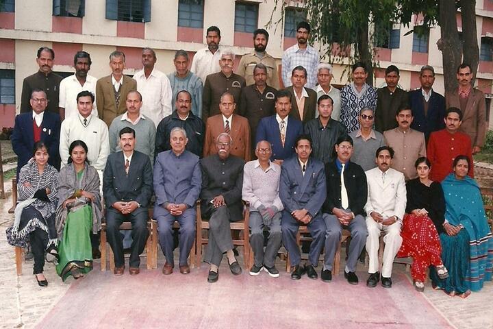 Bhavans Mehta Vidyashram-Staff