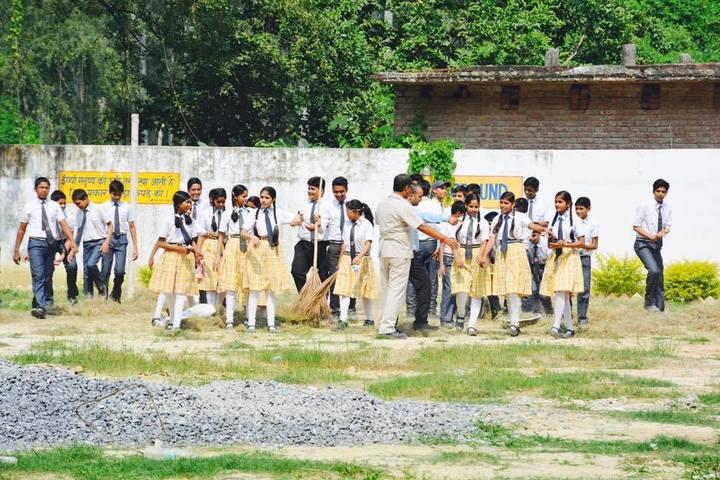 Blooming Buds School-Swachh Bharath