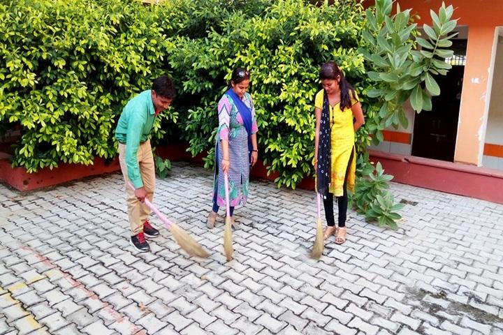 Brahmanand Public School-Swachh Bharath