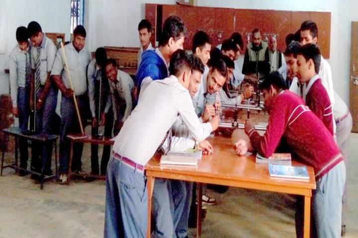 Brij Behari Sahai Vidya Mandir-Physics Lab