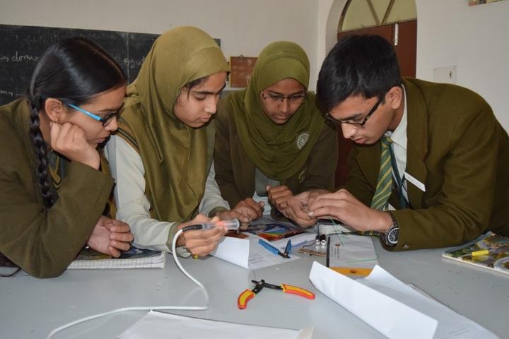 Brownwood Public School-Physics Lab