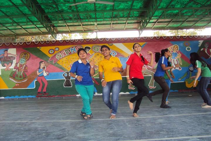 C S H P Memorial Public School-Dance Performance