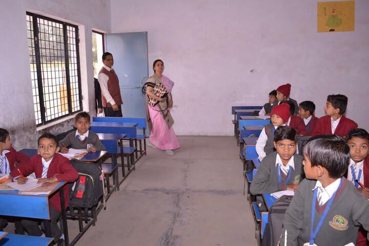 C N S  Academy-Class Room