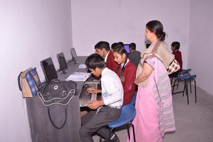 C N S  Academy-Computer Lab